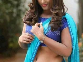 I am MEENA real indipendant college girl staying alone