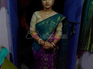 Needy bengali housewife giving service, chat in whatsapp