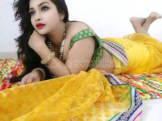 I m a DESI bhabhi FEELING VERY LONELY ON BED
