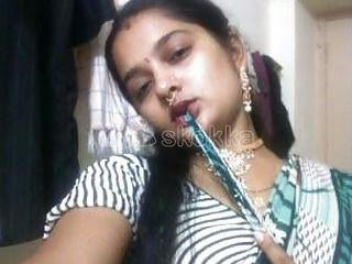 Hii friends i am Priyanka Sharma online sex service available 24 hoursVideo call 500Audio call 300Libias cam 250Nude pics 50Sexy chat 200