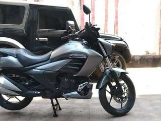 Suzuki Intruder special edition. Well maintained. Almost New.