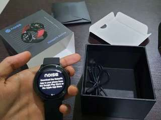 NoiseFit Active for sell in reasonable price
