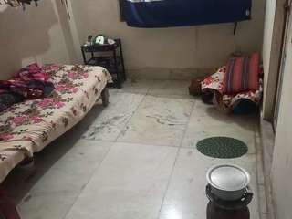 2500 rent+ 2500 advance money... only female ...