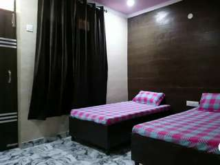 Boys PG {PG for Male} Available in Sector 15A Faridabad Newly Built PG