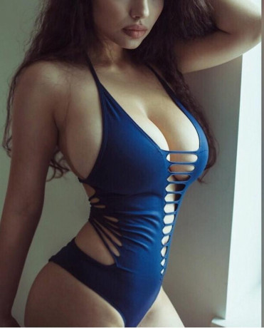 call-girls-in-gurgaon-8800861635-escorts-service-in-delhi-ncr-big-0