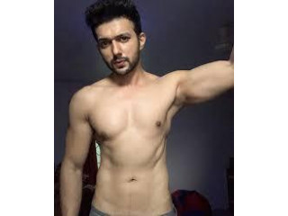 Independent male escort NO ADVANCE BOOKING for all females and couples